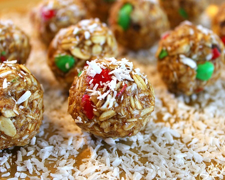 christmas-oatmeal-bites-028-1featured