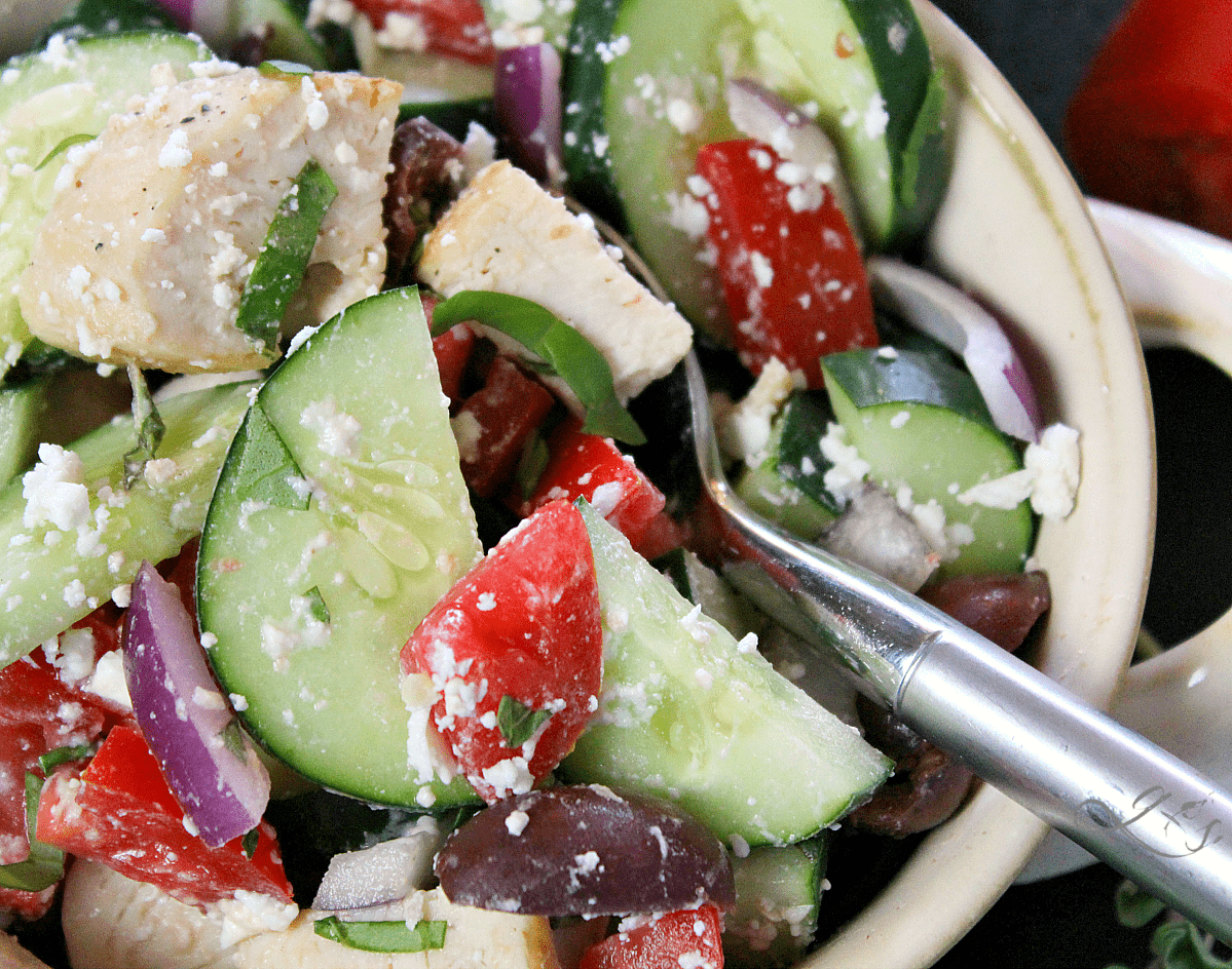 This healthy and clean eating salad is easy, authentic, and ahhhhmazing! Throw together all the veggies, grilled chicken, herbs, cheese, and olives then go crazy with the dressing. Use balsamic vinegar, extra virgin olive oil, and salt and pepper to make this a truly delicious dinner or gluten-free lunch. Add cooked quinoa to make it vegetarian or omit the chicken and quinoa and serve as a chopped salad side dish. 21 Day Fix | Vegan Meal Version | Simple